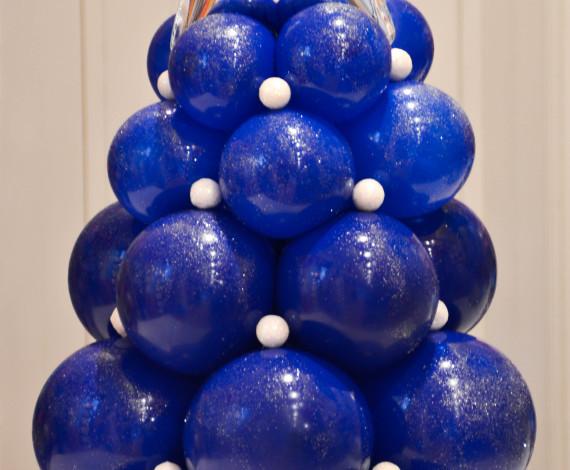 Albero di Natale in palloncini
