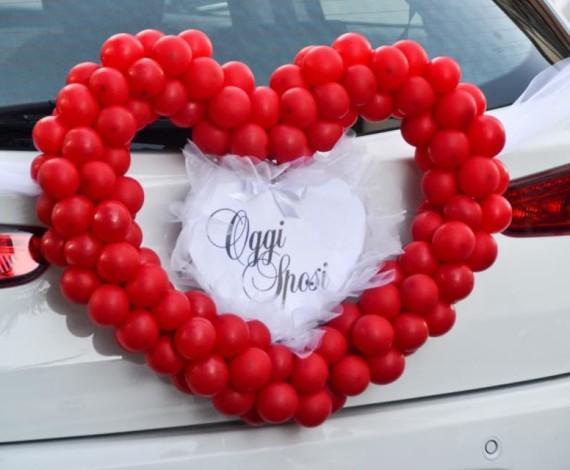 Cuore di palloncini per matrimonio